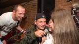 Kapela Gallileo - doprovodný zpěv fandů do mikrofonu (28 / 31)