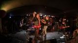 Pogo tour 2019 opětovně rozbourala pražský klub Rock Cafe (21 / 107)