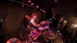 Pogo tour 2019 opětovně rozbourala pražský klub Rock Cafe (24 / 107)