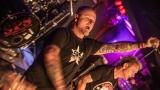 Pogo tour 2019 opětovně rozbourala pražský klub Rock Cafe (48 / 107)