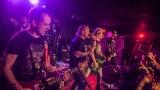 Pogo tour 2019 opětovně rozbourala pražský klub Rock Cafe (53 / 107)