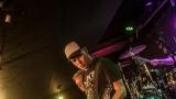 Pogo tour 2019 opětovně rozbourala pražský klub Rock Cafe (55 / 107)