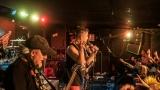 Pogo tour 2019 opětovně rozbourala pražský klub Rock Cafe (93 / 107)