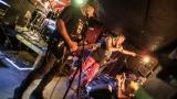 Pogo tour 2019 opětovně rozbourala pražský klub Rock Cafe (101 / 107)