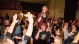 Kapela Kabát revival West - výlet zpěváka do publika (60 / 62)