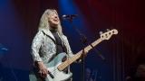 Suzi Quatro se svou Rock And Roll basou vyprodala velký sál Lucerny v Praze. (4 / 31)