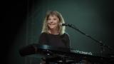 Suzi Quatro se svou Rock And Roll basou vyprodala velký sál Lucerny v Praze. (21 / 31)