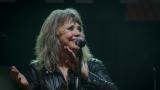 Suzi Quatro se svou Rock And Roll basou vyprodala velký sál Lucerny v Praze. (27 / 31)