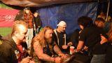 Autogramiáda Škworu na Basinfirefestu (1 / 2)