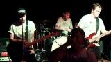 Music club Divadelka nabídl hardcorovou smršť (39 / 102)