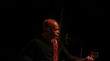 baskytarista a kontrabasista Dave Mendez (15 / 70)