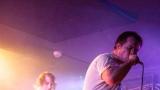 Hardcorový večer v Rock café přitáhl spoustu fanoušků. (14 / 89)