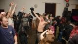 Příznivci punku v Plzni vzdali znovu hold legendě Sidu Viciousovi (123 / 246)