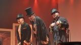 Gentlemani v cylindrech připravili originální podívanou (35 / 59)