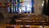 Připravený sál čeká první hosty (1 / 109)
