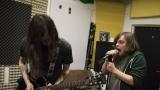 """""""Trochu devadesátkovej grunge, trochu uřvanej punk."""" Seznamte se s Decibelo Retardo (3 / 21)"""