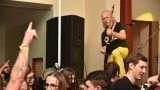 Číra, kanady a úsměvy - taková byla Známka punku Visacího zámku a ZNC ve Svrčovci (25 / 27)