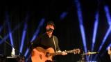 Thom Artway si svým energickým koncertem s premiérou videoklipu All I Know podmanil Malostranskou besedu  v Praze! (4 / 38)