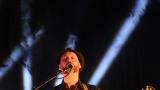 Thom Artway si svým energickým koncertem s premiérou videoklipu All I Know podmanil Malostranskou besedu  v Praze! (7 / 39)