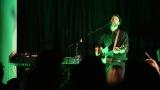 Thom Artway si svým energickým koncertem s premiérou videoklipu All I Know podmanil Malostranskou besedu  v Praze! (9 / 39)