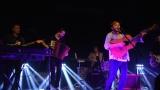 Thom Artway si svým energickým koncertem s premiérou videoklipu All I Know podmanil Malostranskou besedu  v Praze! (11 / 39)