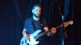 Thom Artway si svým energickým koncertem s premiérou videoklipu All I Know podmanil Malostranskou besedu  v Praze! (13 / 39)