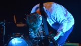 Thom Artway si svým energickým koncertem s premiérou videoklipu All I Know podmanil Malostranskou besedu  v Praze! (14 / 39)