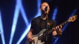Thom Artway si svým energickým koncertem s premiérou videoklipu All I Know podmanil Malostranskou besedu  v Praze! (15 / 39)