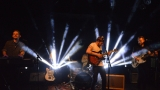 Thom Artway si svým energickým koncertem s premiérou videoklipu All I Know podmanil Malostranskou besedu  v Praze! (31 / 39)