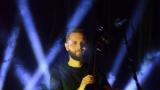 Thom Artway si svým energickým koncertem s premiérou videoklipu All I Know podmanil Malostranskou besedu  v Praze! (32 / 39)