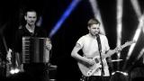 Thom Artway si svým energickým koncertem s premiérou videoklipu All I Know podmanil Malostranskou besedu  v Praze! (34 / 39)