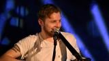 Thom Artway si svým energickým koncertem s premiérou videoklipu All I Know podmanil Malostranskou besedu  v Praze! (34 / 38)