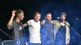 Thom Artway si svým energickým koncertem s premiérou videoklipu All I Know podmanil Malostranskou besedu  v Praze! (38 / 38)