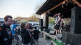 Modrá Vopice praská ve švech pod open air festivalem Číro Fest (40 / 72)