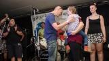 Předání finančních prostředků mamince nemocné Kačenky (32 / 211)