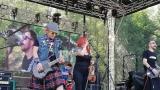 Tradiční třísesterský narozeninový večírek na Braníku nezklamal – kapela letos oslavila 33 let (5 / 18)