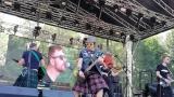 Tradiční třísesterský narozeninový večírek na Braníku nezklamal – kapela letos oslavila 33 let (9 / 18)