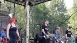 Tradiční třísesterský narozeninový večírek na Braníku nezklamal – kapela letos oslavila 33 let (12 / 18)
