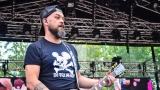 Tradiční třísesterský narozeninový večírek na Braníku nezklamal – kapela letos oslavila 33 let (26 / 57)