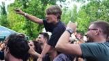 Tradiční třísesterský narozeninový večírek na Braníku nezklamal – kapela letos oslavila 33 let (33 / 57)