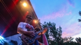 Tradiční třísesterský narozeninový večírek na Braníku nezklamal – kapela letos oslavila 33 let (47 / 57)