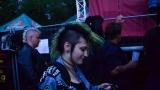 Tradiční třísesterský narozeninový večírek na Braníku nezklamal – kapela letos oslavila 33 let (57 / 57)