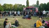 Tradiční třísesterský narozeninový večírek na Braníku nezklamal – kapela letos oslavila 33 let (20 / 169)