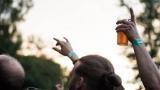 Tradiční třísesterský narozeninový večírek na Braníku nezklamal – kapela letos oslavila 33 let (127 / 169)