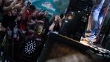 Tradiční třísesterský narozeninový večírek na Braníku nezklamal – kapela letos oslavila 33 let (146 / 169)