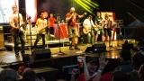 Tradiční třísesterský narozeninový večírek na Braníku nezklamal – kapela letos oslavila 33 let (160 / 169)