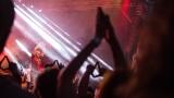 Tradiční třísesterský narozeninový večírek na Braníku nezklamal – kapela letos oslavila 33 let (167 / 169)