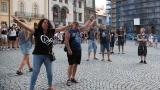 Podvečerní koncert na klatovském náměstí přilákal početné publikum (7 / 56)