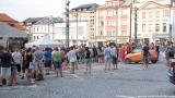 Podvečerní koncert na klatovském náměstí přilákal početné publikum (12 / 56)