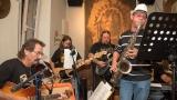 Kapela Wagabund s hostujícím saxofonistou (28 / 35)